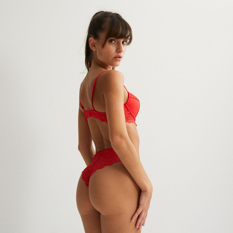 getextureerde push-up-beha met knoopdetail - rood;