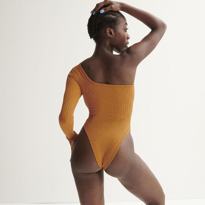 Aya x undiz asymmetrische body - karamel;