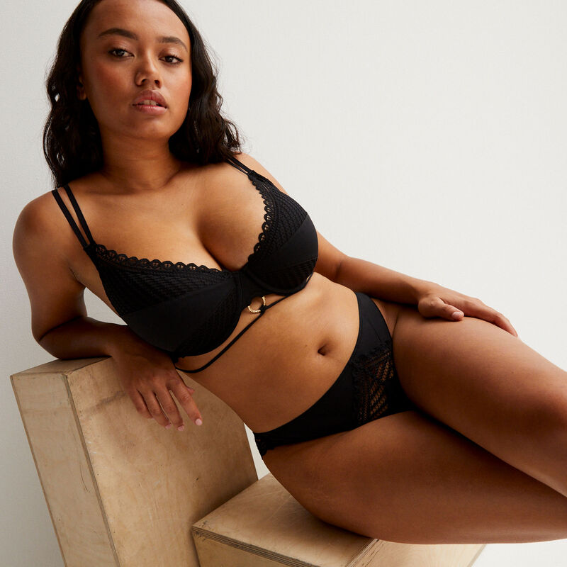 Aya x undiz push-upbeha met ringversiering - zwart;