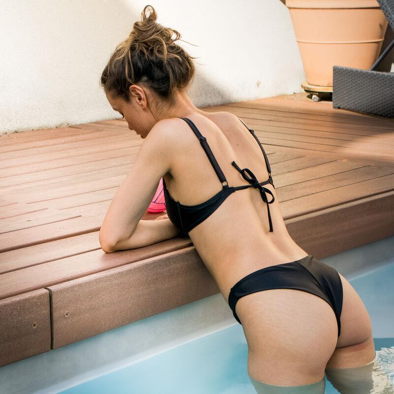 Satijnachtige balconette bikinitop - zwart;