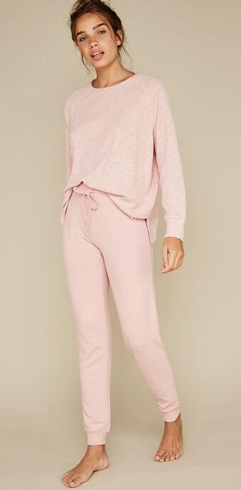 Pull rose paniliz pink.